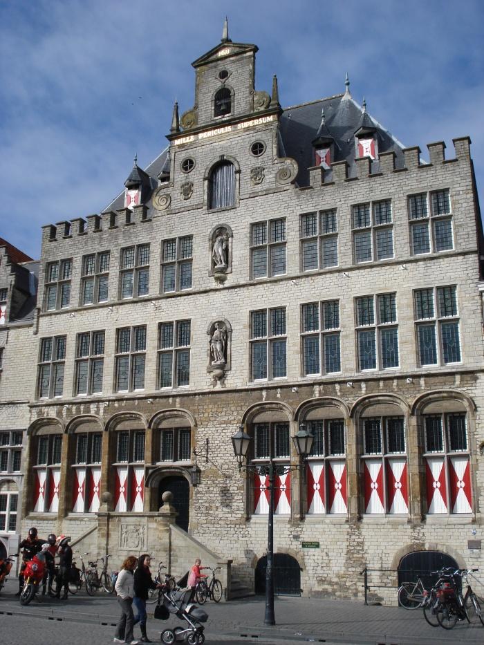 Bergen_op_Zoom_gemeentehuis