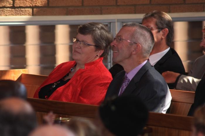na de afscheidsdienst genieten van de sprekers en hun bijdragen